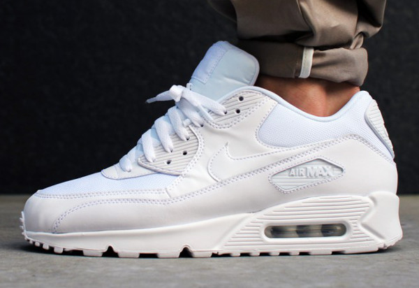 Nike Air Max 90 Essential -Chaussure Pour Homme Blanc/Noir/Bleu 616730_017 ... Chaussures Nike Air Max 90 Essential ...