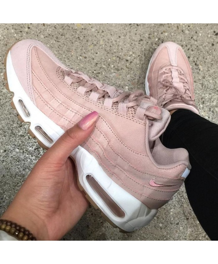 new product 209a1 f3df8 Chaussures Nike Air Max 95 Ultra Essential blanche et grise vue dessous ...  Nike Sportswear Air Max 95 Ultra femme - chaussures pour femme - blanc- menthe- ...