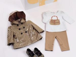 Ensemble bébé 3 pièces imprimé Web baskets montantes à logo. Gucci  ballerines pour bébé avec détail strass cristal,gucci montaigne,ceinture  gucci online,en ... 7ad7176b208