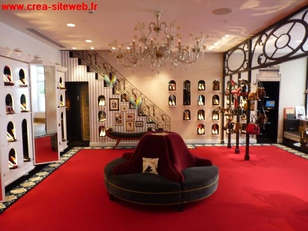 magasin chaussures louboutin paris