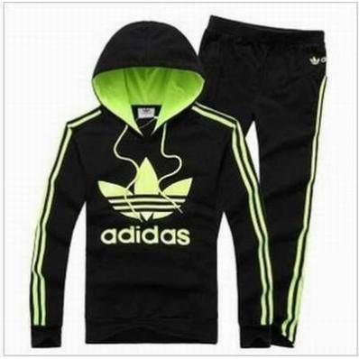 e0f01652fc764 survetement adidas 10 ans