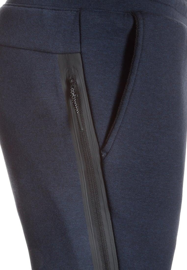 ... sportswear tech fleece varsity - gris  noir  bruyère c48q9092   mode pas  Nike - Pantalon de survêtement Tech Fleece Jogger - 805162-100 - pas cher  Achat ... b7f15e67c569