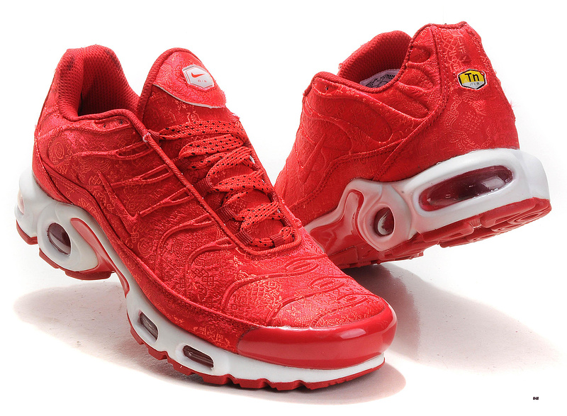 nike requin rouge